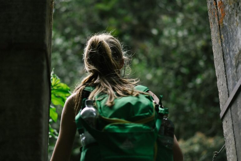 Go light and avoid losing those suitcases when you travel | Blog of Dee